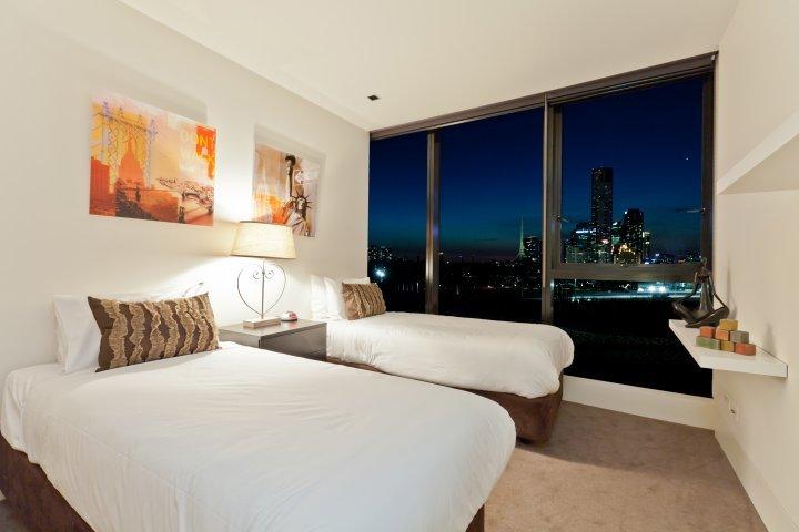The Skyline Arena 7 night minimum stay - Image 1 - Melbourne - rentals