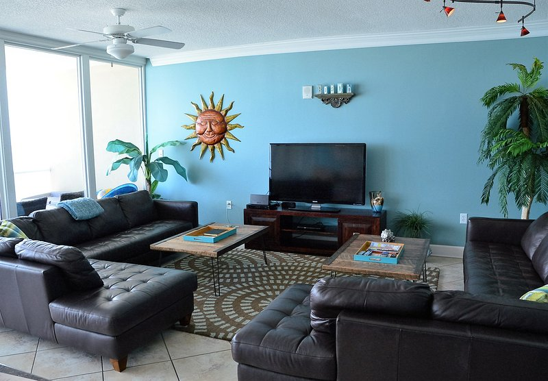 Leather sectionals, wall of glass, SONOS hi-fi speaker, flat panel TVs(3), modern coastal decor - Oct Slashed Price Holy Guacamole-Walls Glass Views - Gulf Shores - rentals