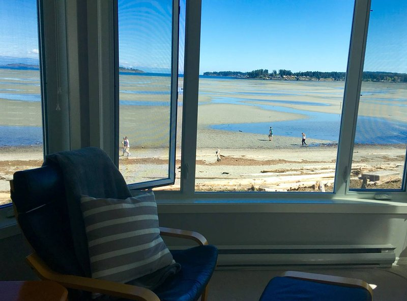 TRULY BEACHFRONT - 180 degree unobstructed views - Image 1 - Parksville - rentals