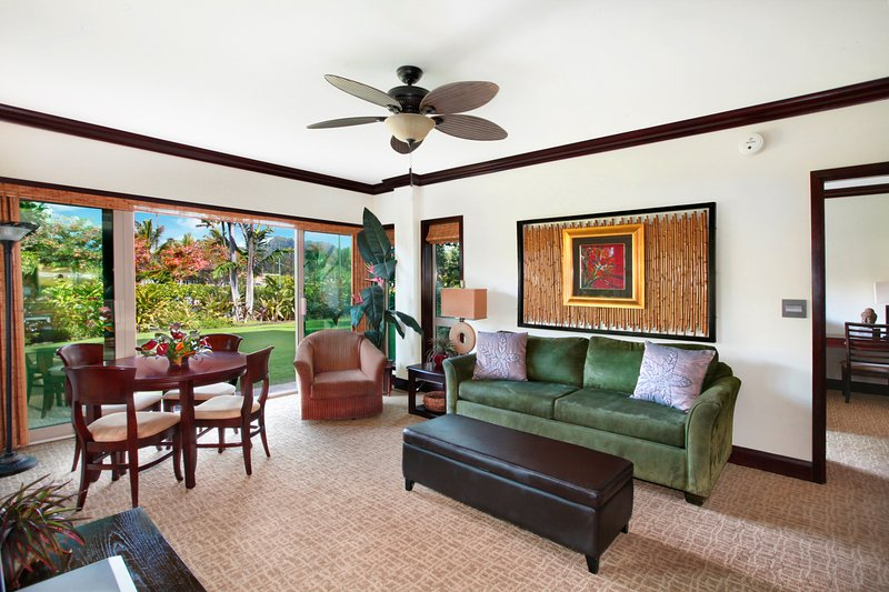 Living Room Garden & Sleeping Giant - Waipouli Beach Resort E105 - Kapaa - rentals