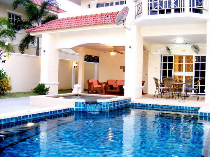 4 Bedroom Villa Walking Street 10 Min Away - Image 1 - Pattaya - rentals