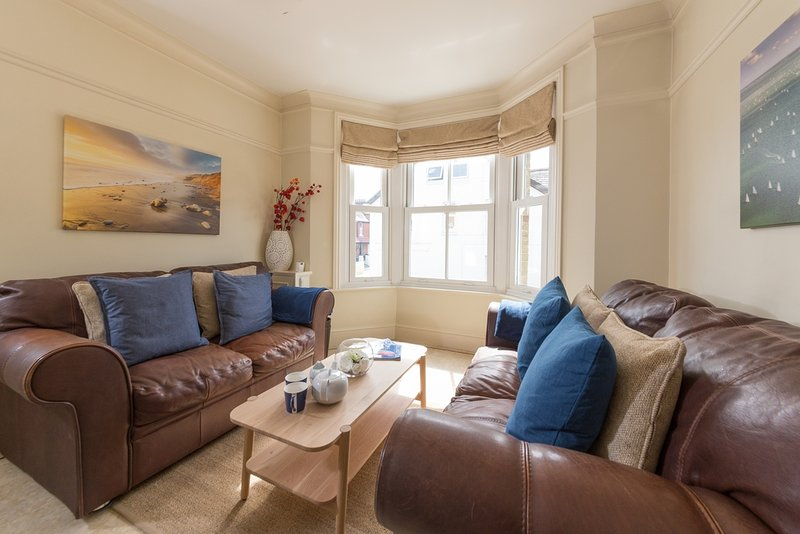 Nutcroft located in Cowes, Isle Of Wight - Image 1 - Cowes - rentals