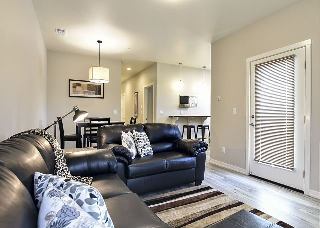 Alder Flat is New, Fresh and Modern! Great Location for Exploring the Coast - Image 1 - Arcata - rentals