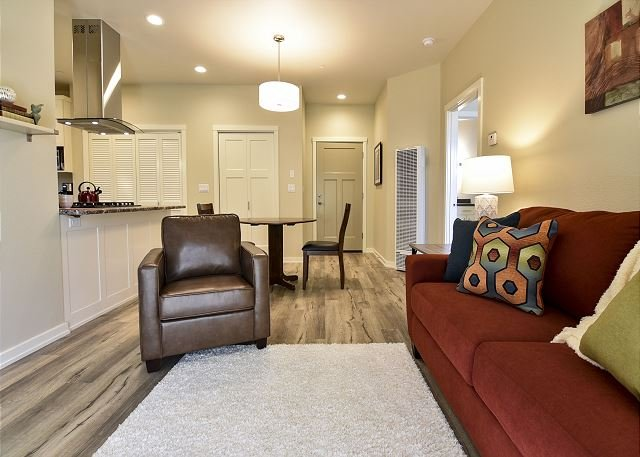 Willow Suite - Fresh, Brand New and Inviting! Perfect location to Explore - Image 1 - Arcata - rentals