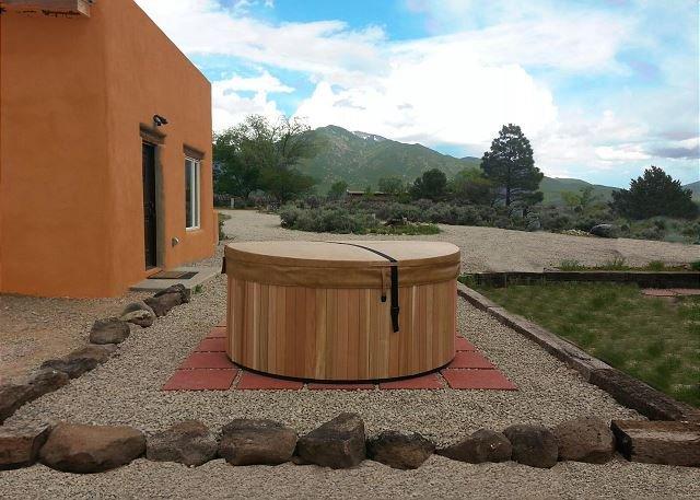 1 Bedroom Mountain views, Private Hot Tub, Wi-Fi - Image 1 - El Prado - rentals