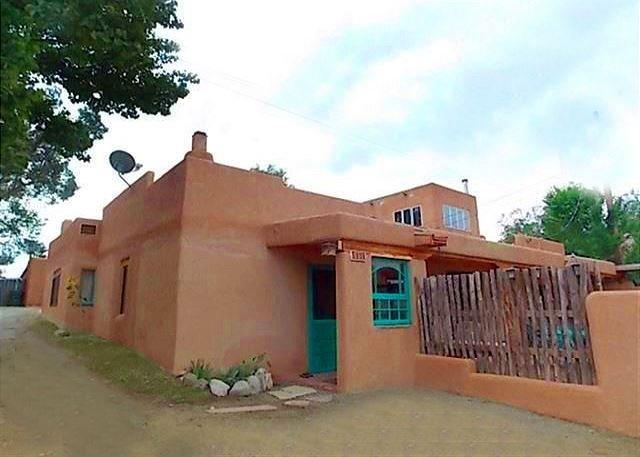 Taos Town, NM Historic District - Walk to Plaza-1/2 mile - Image 1 - Taos - rentals