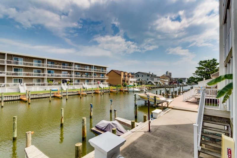 Charming, family-friendly condo with a private dock on the bay! - Image 1 - Ocean City - rentals