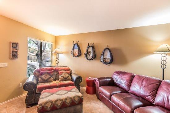 Living room - Pantano Edge - Tucson - rentals