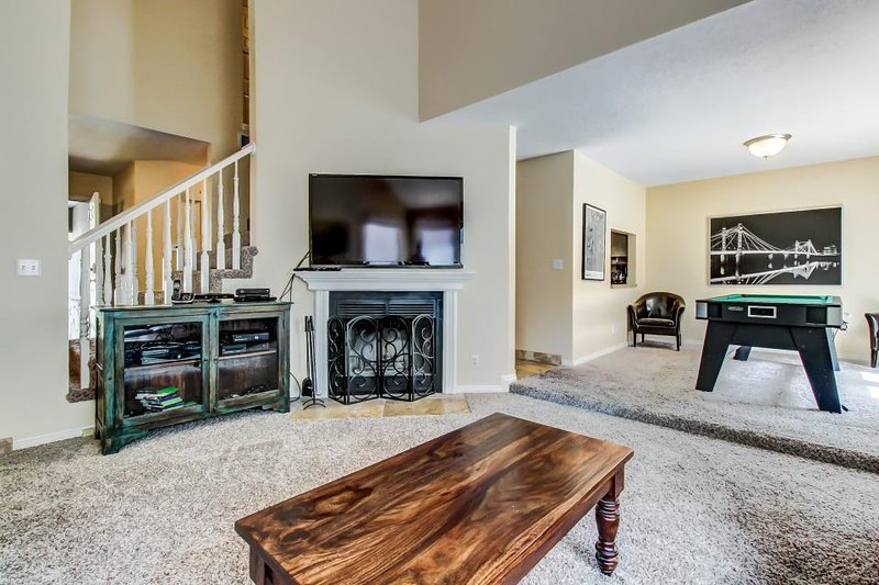 Condo w/private hot tub; fireplace, nearby park - Image 1 - Salt Lake City - rentals