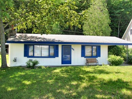 Front View - Camp David - Frankfort - rentals