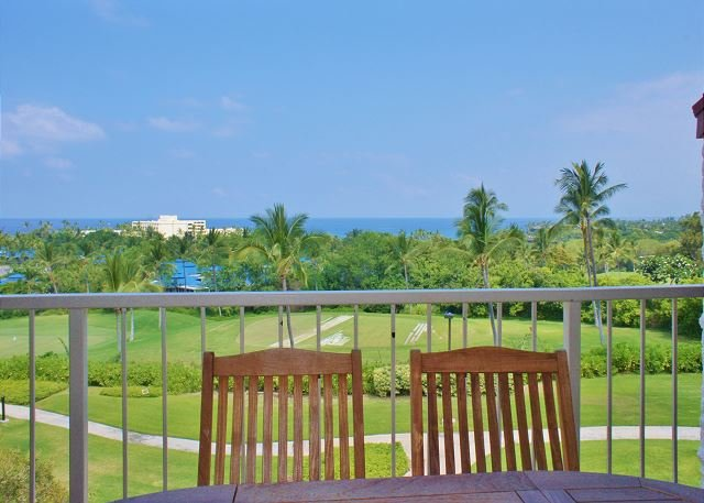 Great Ocean Views From Lanai - Spacious Top Floor Unit, Fantastic Ocean Views - Kailua-Kona - rentals