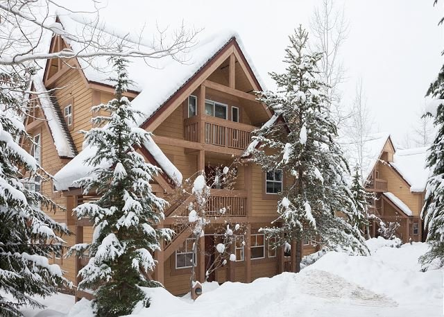 Exterior View of Alpine Greens - Alpine Greens 10 | Upgraded 3 Bedroom Townhouse, Mountain Views, Free Shuttle - Whistler - rentals