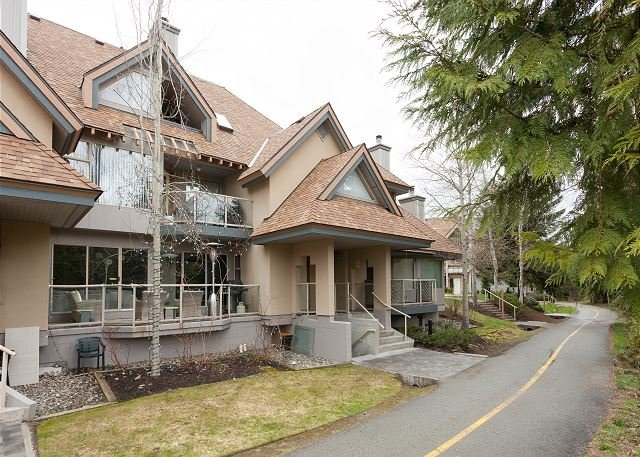Exterior View of Glen Eagles 13 - Golf Course, Situated on Free Village Shuttle Route, Fireplace, Scenic Views - Whistler - rentals