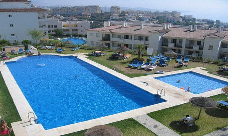 2 bed holiday apartment walking distance to beach - Image 1 - Mijas - rentals