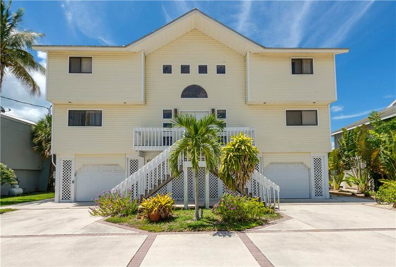 Island Dream, 4 Bedrooms, Beach Front - Image 1 - Fort Myers Beach - rentals