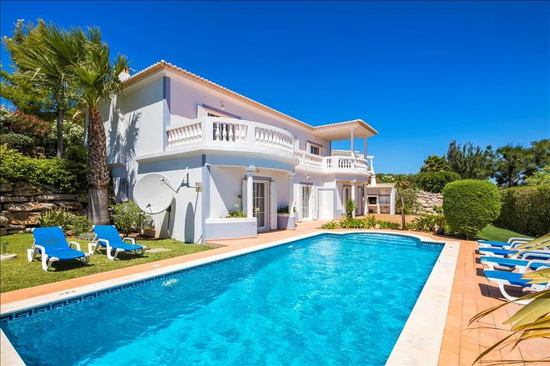 Casa Mia - Beautifully appointed 3 bedroom villa with heated pool - Image 1 - Budens - rentals