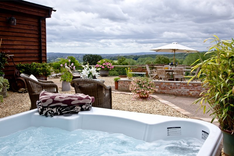 The Dairy, Sherway Farm Holiday Cottages located in Near Exeter, Devon - Image 1 - Cullompton - rentals