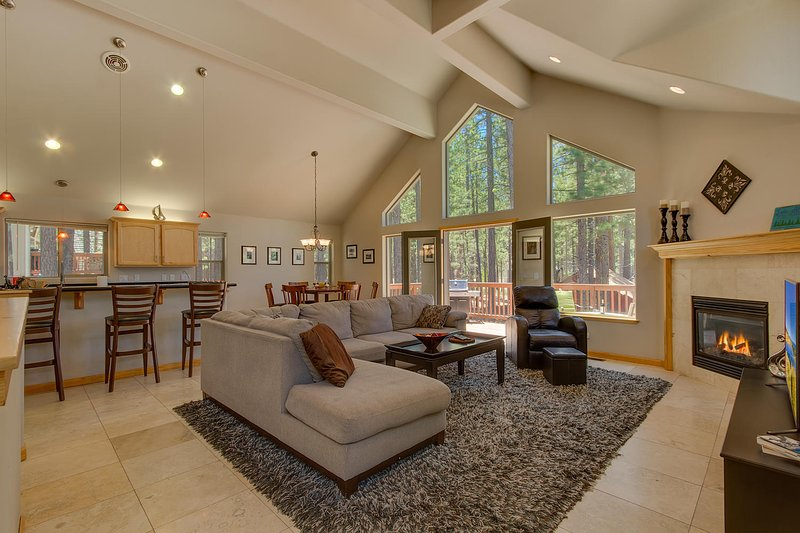 Lake Alice at Tahoe - Spacious Midtown Home, Open Floor Plan, Grill, Wifi, Spa - Image 1 - South Lake Tahoe - rentals