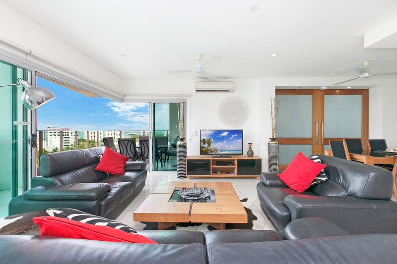 Comfortable leather lounges to chill out and relax in - Beachlife Sands Luxury Condo, Harbour Views - Darwin - rentals