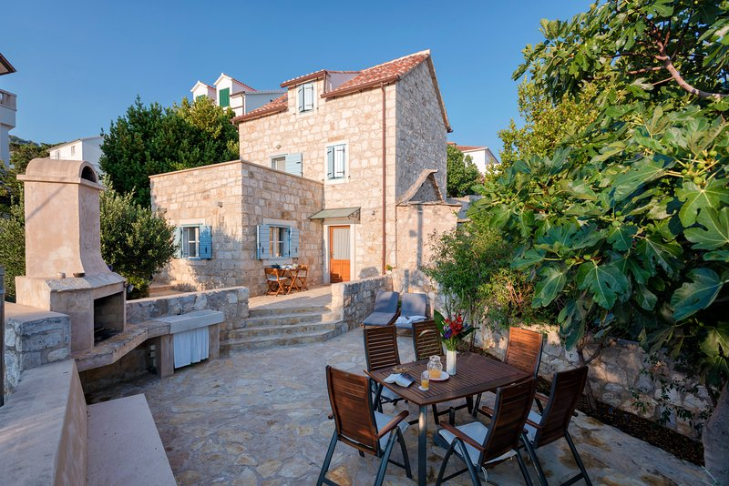 A beautiful traditional stone house with views! - Image 1 - Hvar - rentals