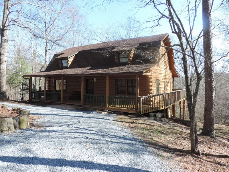 A True Log Cabin with Game Room - Image 1 - Ellijay - rentals
