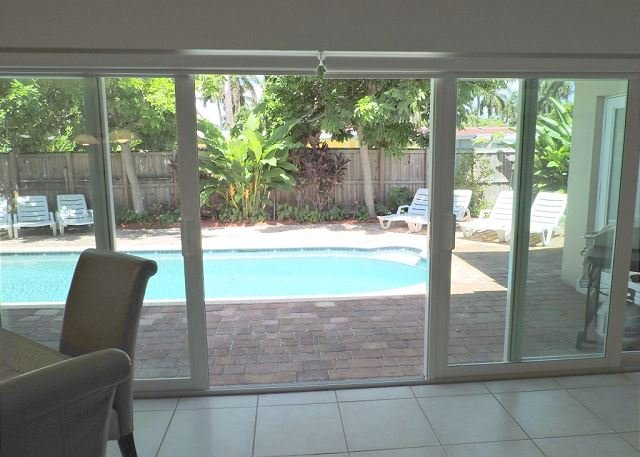 Special Seasonal Rates 4/3 w/ Pool & Jacuzzi 10 Min to Hollywood  Beach - Image 1 - Hollywood - rentals