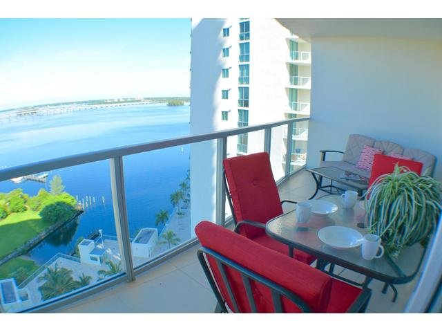 Villa Oasis - Resort Style Luxury Condo, 16. Floor - Image 1 - Fort Myers - rentals