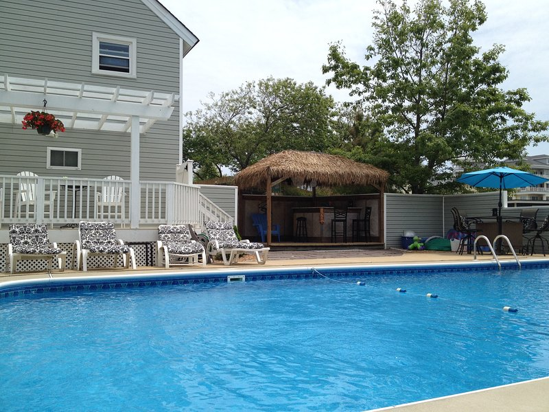 A huge private pool with a tiki bar! Plenty of outdoor seating! - Paradise in Sandbridge- Virginia Beach, VA - Virginia Beach - rentals