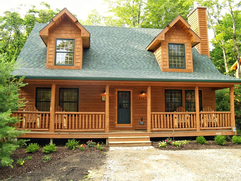 Welcome to Cedar Creek Lodge...Your Home away from Home! - Cozy Rustic Luxury Cabin w/ POOL & Fireplace - Saugatuck - rentals