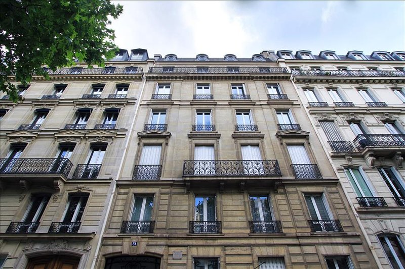 One-Bedroom Apartment Near Champs Elysées - Image 1 - Paris - rentals