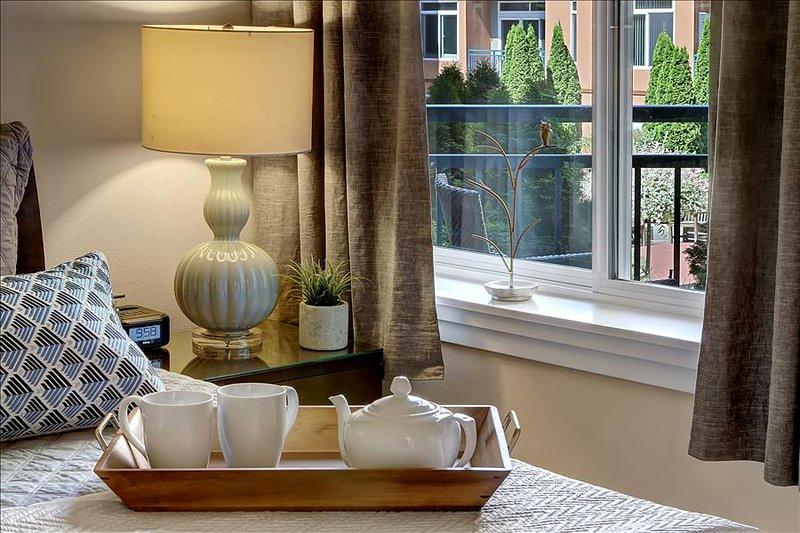 1 Bedroom Metropolitan Hideaway Oasis - Image 1 - Seattle - rentals