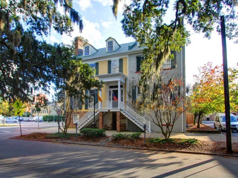Wonderful vacation rental in Savannah! This Historic Savannah vacation rental has it all! - Image 1 - Savannah - rentals