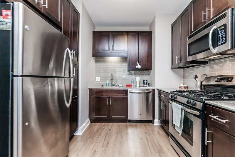 LOVELY AND BEAUTIFULLY FURNISHED STUDIO APARTMENT - Image 1 - Chicago - rentals