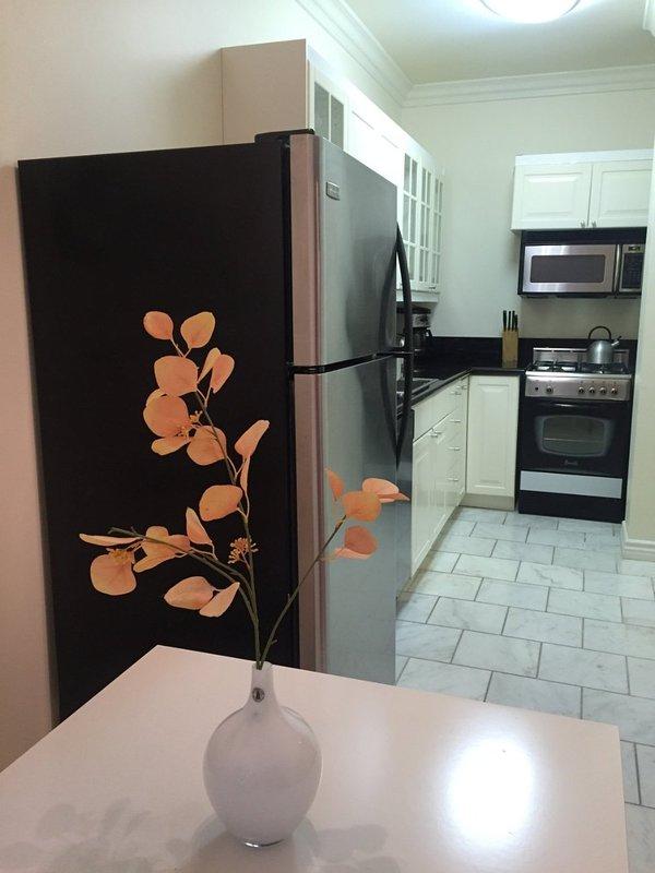Furnished Studio Apartment at Montana Ave & 7th St Santa Monica - Image 1 - Santa Monica - rentals