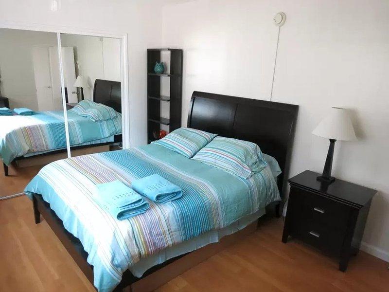 HOMEY FURNISHED 1 BEDROOM 1 BATHROOM APARTMENT IN WEST LOS ANGELES - Image 1 - Los Angeles - rentals