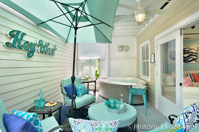Private Spa Patio - Duval Square - Key West - rentals