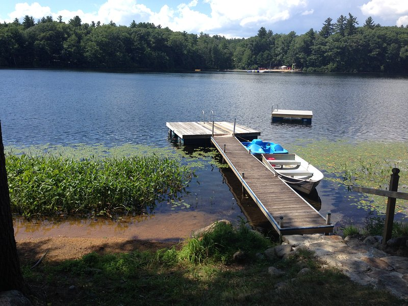 Mid July on Lucas Pond - picturesque lakefront cabin - Northwood - rentals
