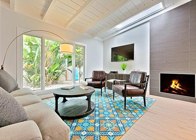 Welcome to Shore Perfection - a beach inspired haven for your vacation. - Walk to the beach - Newly remodeled 4 bedroom home - La Jolla - rentals