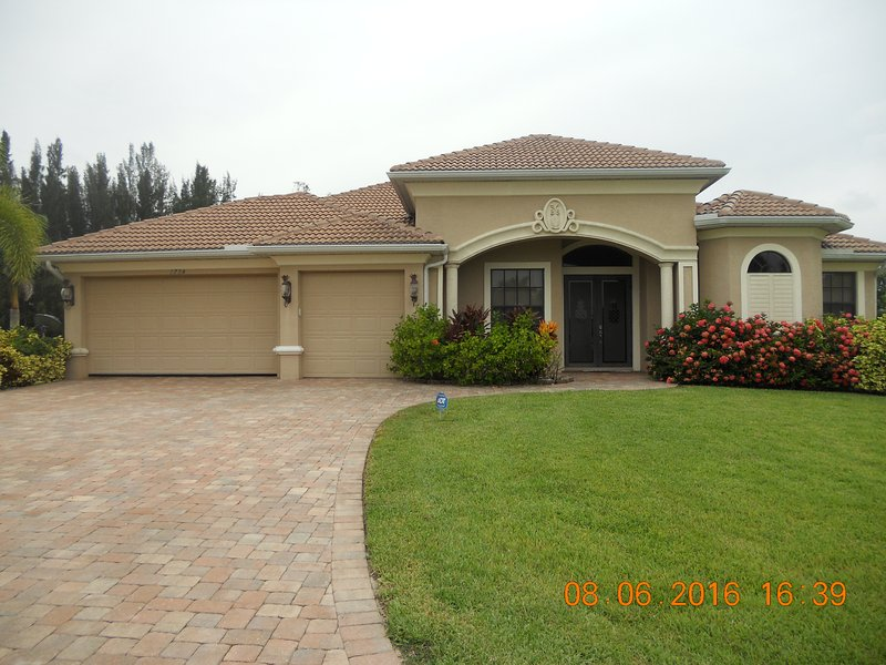 Front view of JAMAICA - Waterfront Home with Heated Pool,Gulf Access - Cape Coral - rentals