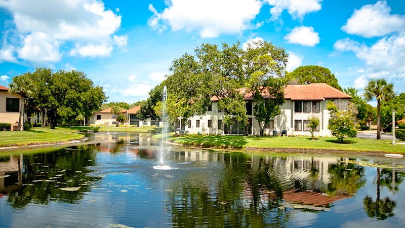 """View from our condo. Resort complex has 6 """"catch and release"""" stocked lakes. - Turtle Cove- A+Rated Resort Villa near Beach & IMG - Bradenton - rentals"""