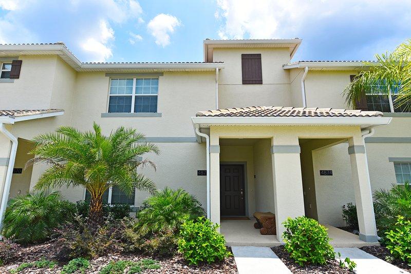 Story Lake 4 Bd TownHm w Splash Pool,WiFi-Fm$100nt - Image 1 - Orlando - rentals