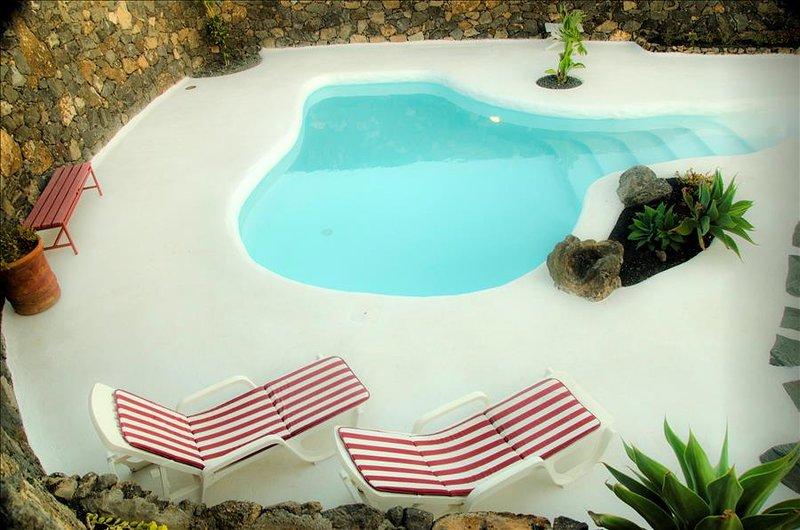 Casa Los Olivos, piscina estilo jameos del agua - Image 1 - Macher - rentals