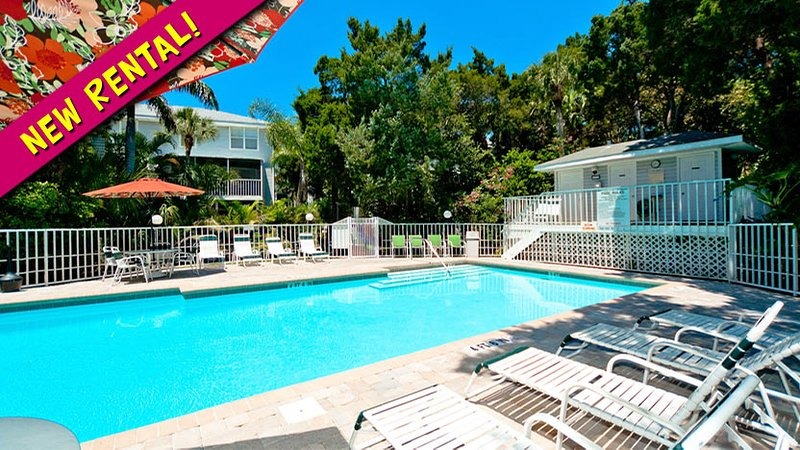 New Rental! - Beach Village 48: 3BR Condo with Pool - Holmes Beach - rentals
