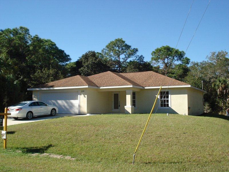 Delux home on a Quit street 4/2.  Jan,Feb/17 Only - Image 1 - Port Charlotte - rentals