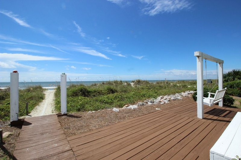 Private Sundeck and Swing - 21 Heron Street - Hilton Head - rentals