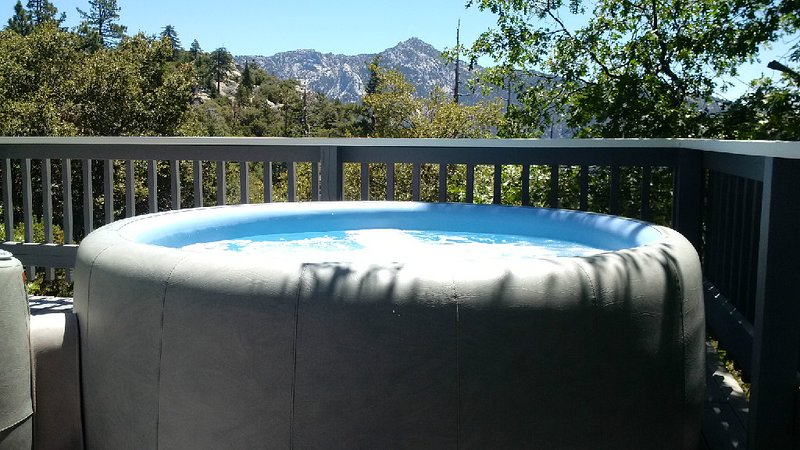 Spa with View - Highgrove Retreat Luxury Mountain Cabin With Views - Idyllwild - rentals