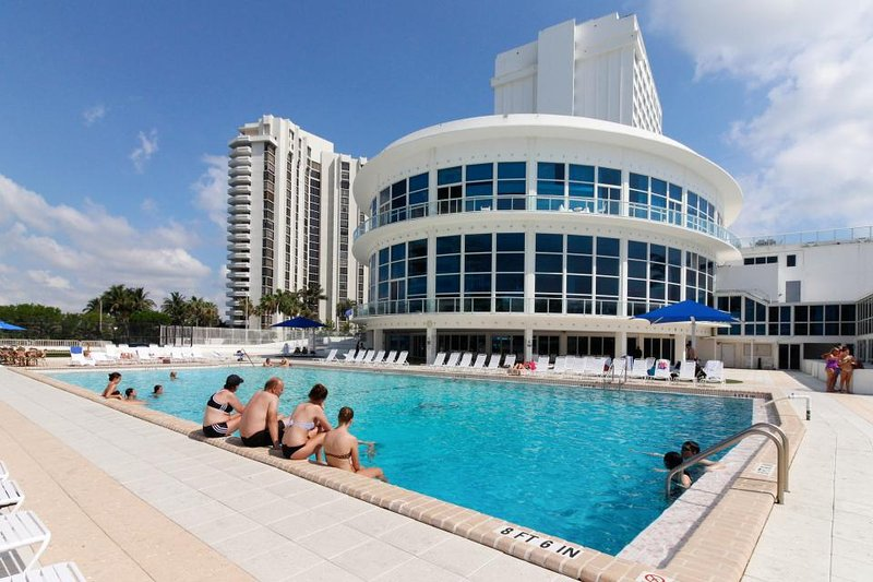 Beautiful ocean view w/ close beach access & pool from this ocean front condo - Image 1 - Miami Beach - rentals