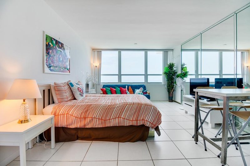 Refreshing oceanfront space with access to beach & shared pool - Image 1 - Miami Beach - rentals