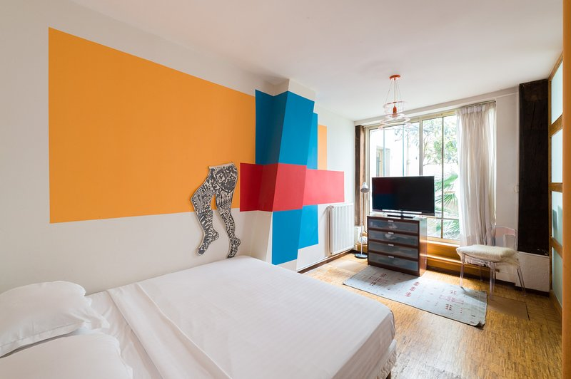 One Fine Stay - Rue Meslay - Image 1 - Paris - rentals
