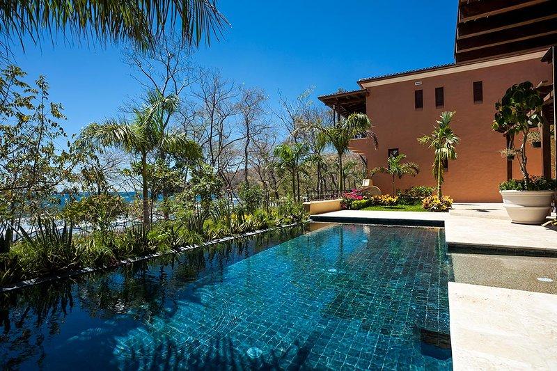 Casa de Tom, Sleeps 12 - Image 1 - Playa Prieta - rentals